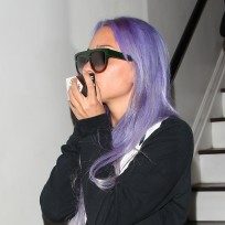 Amanda bynes purple hair paparazzi pic
