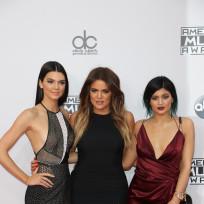 Khloe kardashian kylie and kendall jenner amas photo