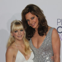 Anna faris and allison janney at the peoples choice awards