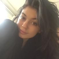 Kylie jenner bed selfie