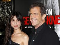 Mel Gibson Giving It To Oksana Pochepa: Right or Wrong?