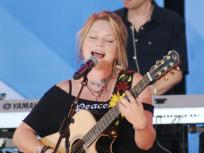 Crystal Bowersox Splits from Husband