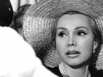 Zsa Zsa Gabor Rushed to Hospital, Again