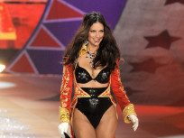 Victoria's Secret Fashion Face-Off: Adriana Lima vs. Erin Heatherton