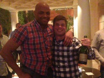 Charles Barkley Tight Shirt Photo Entertains Internet