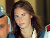 Amanda Knox Contemplated Suicide in Prison, Wants Meredith Kercher's Dad to Read Book