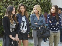 Pretty Little Liars 100th Episode Pic