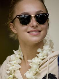 Hayden Panettiere in Hawaii