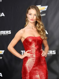 Rosie Huntington-Whiteley Premiere Photo