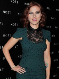 Scarlett Johansson, Green Dress