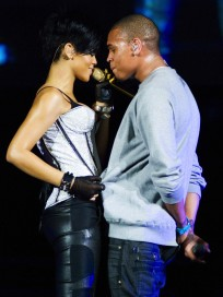 HOT Chris Brown, Rihanna Picture