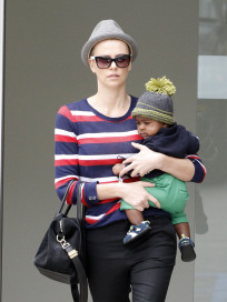 Charlize Theron, Son