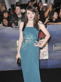 Dakota Fanning at Breaking Dawn 2 Premiere