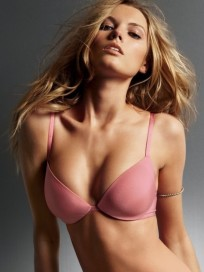 Maryna Linchuk Photo