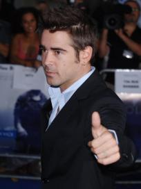 Colin Farrell Thumbs Up