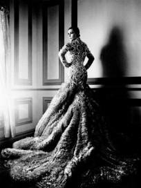 Kim Kardashian Elle Pic