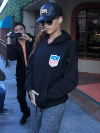 Rihanna Leaves Medical Building
