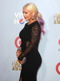 Christina Aguilera Curvy Photo