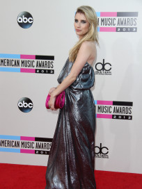 Emma Roberts at American Music Awards