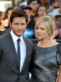 Jennie Garth and Peter Facinelli Pic