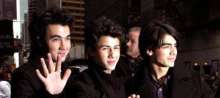 Joe Jonas: Dating Chelsea Staub?