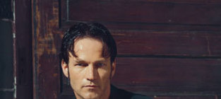 Pic of stephen moyer