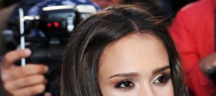 Which Jessica Alba hairstyle do you prefer?