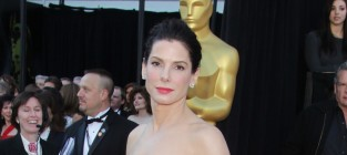 Who looked better at the Oscars, Sandra or Gwyneth?