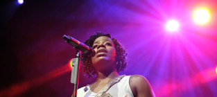 Fantasia barrino on stage