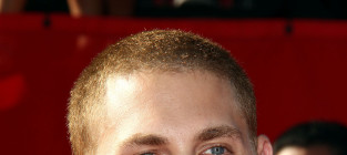 Jonah Hill Hairstyle Showdown: Bald vs. Bushy!