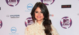 MTV Europe Music Awards Fashion Face-Off: Selena Gomez vs. Hayden Panettiere