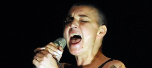 Sinead O'Connor Tweets For Psychiatric Help