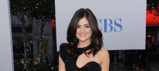 Lucy hale at the peoples choice awards
