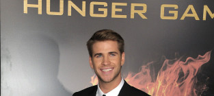 Which actor looked hotter at The Hunger Games Premiere?