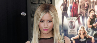 Ashley tisdale at rock of ages premiere