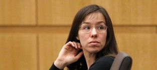 Jodi Arias Nude Photos: Shown at Trial!