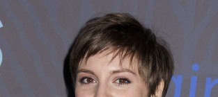Lena dunham red carpet pic