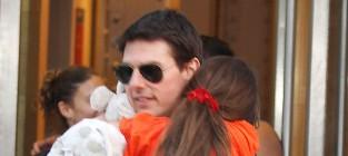Tom with suri