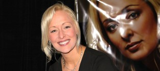 Mindy McCready Death: Police, Family Release Statements on Singer's Suicide