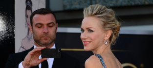 Naomi Watts Oscars Dress: Stunning, Even For Liev Schreiber