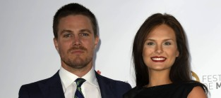 Stephen Amell and Cassandra Jean