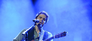 Kris allen for the troops