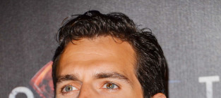 Henry cavill red carpet pic