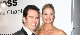 Mark paul gosselaar and wife