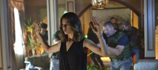 Watch Nikita Online: Season 4 Episode 2