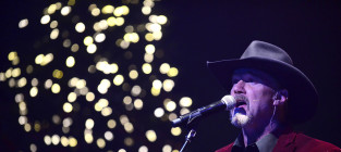 Trace Adkins Fights Trace Adkins Impersonator, Checks Into Rehab for Alcohol Abuse