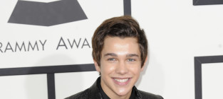 Austin mahone at the grammys