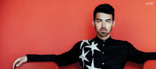 Joe jonas in scene
