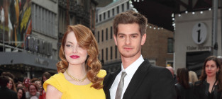 Emma stone and andrew garfield spider man 2 premiere