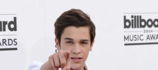 Austin mahone at the billboard music awards